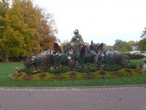 statue entrée r
