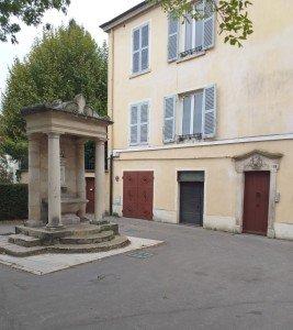 Rue des Macchabées - Fontaine du Taurobole